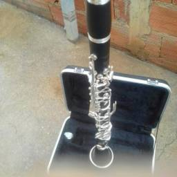 Clarinete sib vendo ou troco por trompete