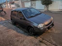 Clio 2001 ar gelando - 2001