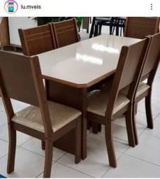 Mesa com cadeiras novo na caixa entrega grátis ?Pediu levou