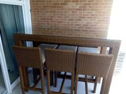 Vendo Mesa alta com 3 cadeiras