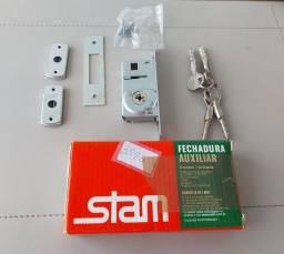 Fechadura para potas , portões marca Stam Trava Tetra com 4 chaves