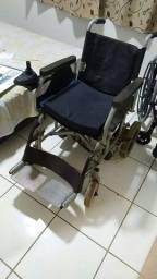 Cadeira de roda motorizada 1.500