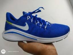 Tênis Sportivo Nike zoom