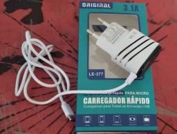 Promoção - Carregador V8 Rápido 3.1A - 02 entradas USB extras - Carregamento rápido