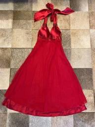 Vestido frente única evasê vermelho de musseline com forro de cetim