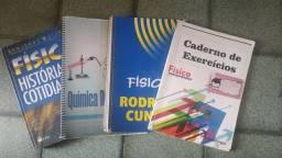 Livro didático e cadernos de exercícios