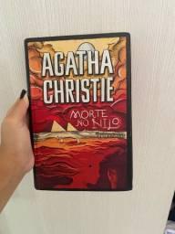 Livro: morte no Lino de agatha christie.