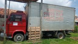 Título do anúncio: Vende se caminhão baú