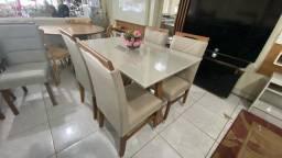 Mesa natural de 4 cadeiras de madeira resistente nova