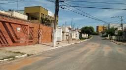 Casa com 03 suítes bairro Dom Aquino