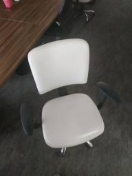 Cadeira Square executiva giratória branca