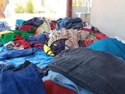 Vende-se roupas para baza e brecho apenas 2 reais cada  peça.