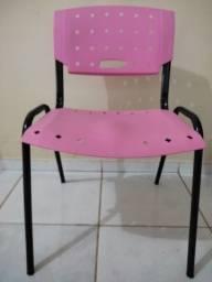 Título do anúncio: Cadeira conservada