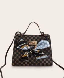 Título do anúncio: Bolsa Pequena com Lenço