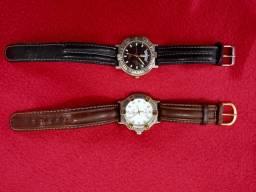 Título do anúncio: Dois relógios griffe!