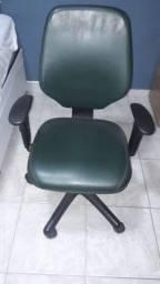 Cadeira Flexform - Encosto alto - Regulagem de altura a gás - Regulagem do Encosto