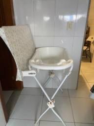 Banheira com pé e trocador
