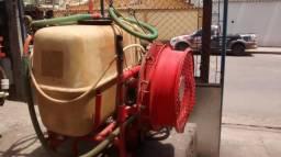 Pulverizador 225 l trilhoteiro