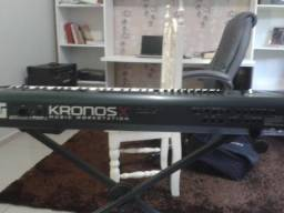 Teclado Profissional korg kronos X 61