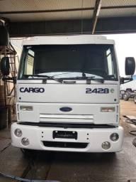 Caminhao Ford cargo 2428 8x2 2011 + tanque 20 mil litros - 2011
