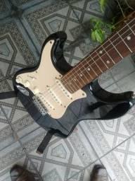 Guitarra estrato canhoto , bom estado funcionando perfeitamente