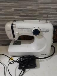 Máquina de costurar Genius