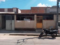 Vendo Duas casas em Linhares . 14 mil entrada + parcelas
