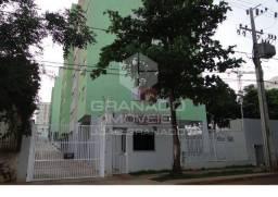 Apartamento com 2 quartos - Maringá/PR