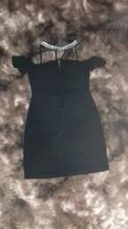 Vende-se Roupa - Macaquinho / Vestido