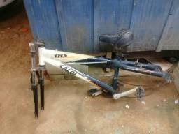 Vendo quadro de aluminio e bicicleta