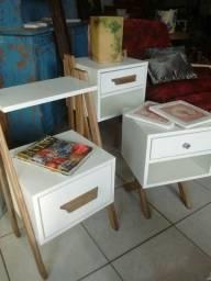 Mesa lateral ou de cabeceira para decoração