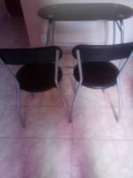 Mesa compacta 2 cadeiras salas com pouco espaço