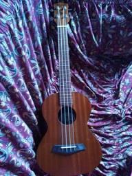 Ukulele tagima(vendo ou troco em uma pedaleira de guitarra)