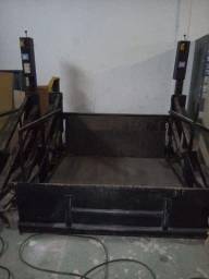 Plataforma hidraulica (movel) elevatoria marksell 2.000kg p carga e descaga caminhao