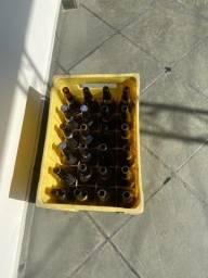 Título do anúncio: Caixa de cascos de cerveja para comércio