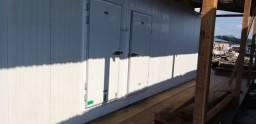 Câmara frigorífica montada e instalada, entregamos na chave.
