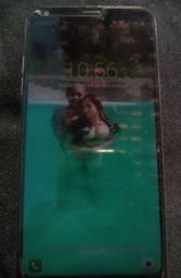 Vendo LG Q6+