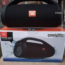 Caixa de Som JBL Boombox Bluetooth de 30cm