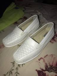 Sapato couro confortável estilo picadilly branco