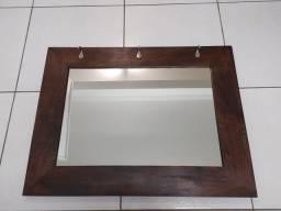 Espelho com pendurador de chaves
