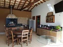 Vendo linda casa com 3 quartos!!!