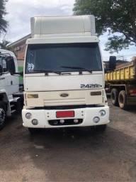 Caminhão 2428E Bi-truck 4 eixo