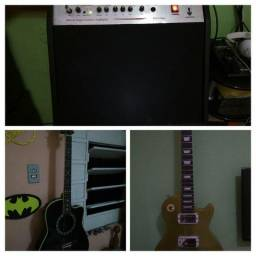 Guitarra, violao e cubo amplificador