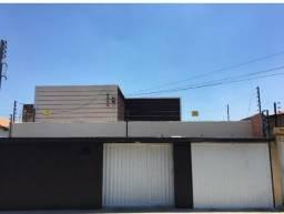 Aluga-se casa no centro de Teresina