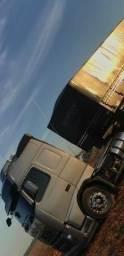 Procuro caminhão já financiado! - 2005