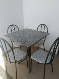Mesa de cozinha completa