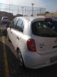 Nissan March 2015 completo - 2015