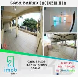 Alugo Casa 3 pisos na Cachoeirinha, 5 salas amplas (boa localização para ponto comercial)