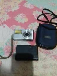 Máquina fotográfica e filmadora