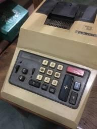Máquina de calcular antiga